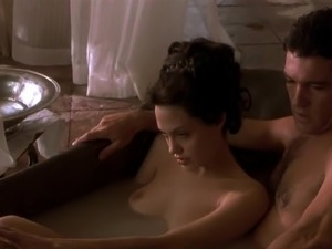 beowulf angelina jolie naked video
