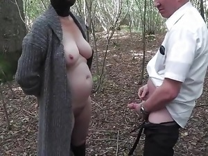 outdoor hien sex blowjob
