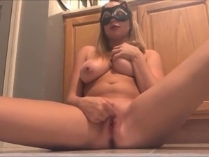 brazilan girl fuck in the bathroom