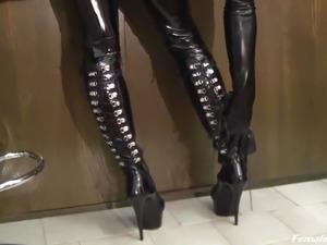 sexy black latex milf