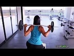 teen gym pussy