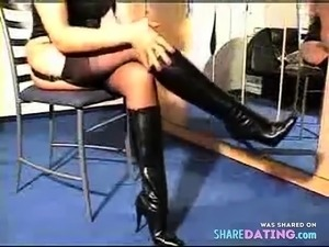 girl in leather has femdom sex
