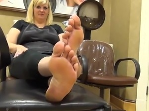pictures of naked womens feet