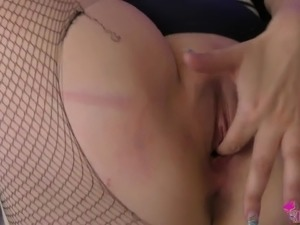 young girls first suirting orgasm video