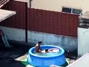 sex in a pool pictures