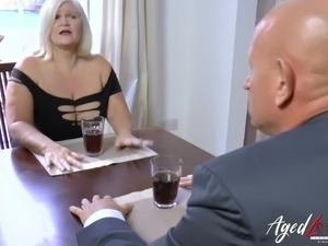 gonzo hot sexy house wife movies