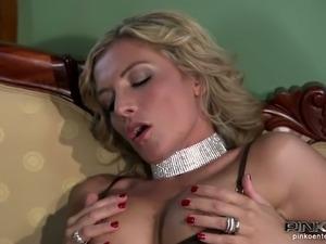 nice slow slurpy wife blowjob