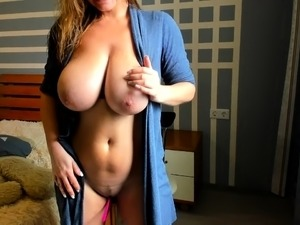 big tits pictures galleries daphne rosen