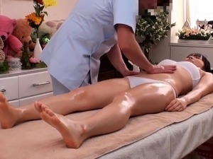 free online pictures of erotic massage