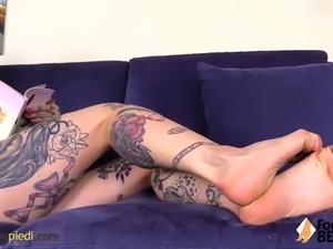 Hot girls foot