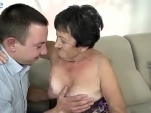 mature tits on webcam