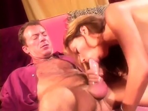 deep throat cum swallowing girlfriend