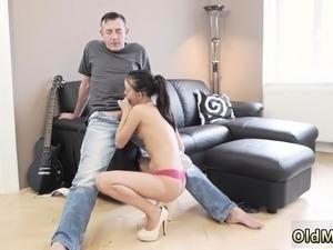 amateur spanking pics