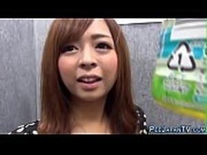 female pee video closeup