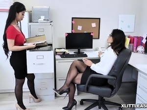 sorry, horny milf seduces busty girl brilliant idea