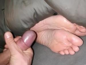 lesbians foot sex